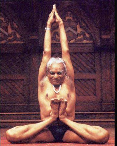 Голая намасте йога